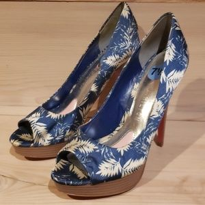 Paris Hilton high heels